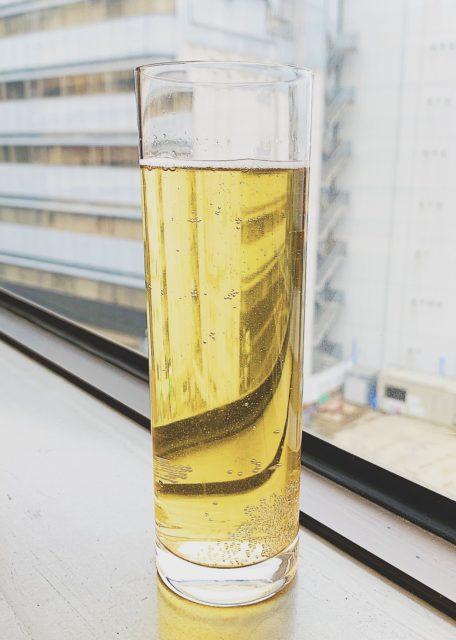 自宅で簡単!ノンアルコールシャンパン風オーガニックハーブティーの画像